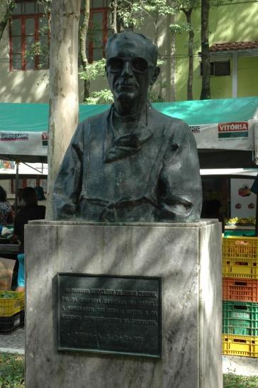 Monumento ao profº Euryclides de Jesus Zerbini