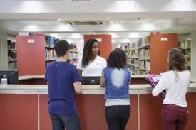 Local para tirar dúvidas e localizar livros / Foto: site oficial da Faesa