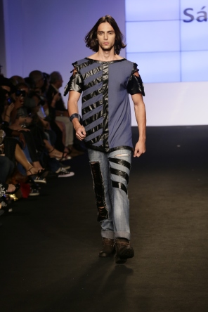 Simetria no look com jeans (Foto: Cloves Louzada)