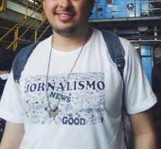 Camisa do curso de Jornalismo.