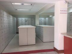 Local onde os alunos guardam suas bolças e mochilas para entrar na Biblioteca / Foto: Daniele Canholato