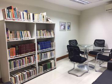 Sala dos Fundadores da Biblioteca da Faesa / Foto: Daniele Canholato