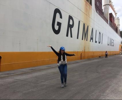 Esther Cruz em visita técnica ao Porto de Vitória