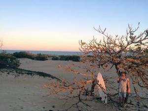 Rafael nas dunas de sua cidade natal