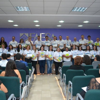 Professores e funcionários do Curso de Direito na cerimônia que celebrou a nota do Enade / Foto: FAESA