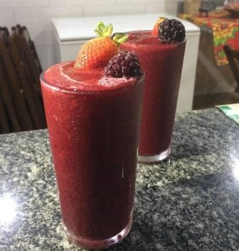 Imagem de dois copos de suco fornecidos pela empresa