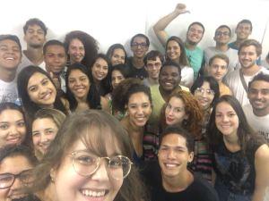 a ex-aluna da FAESA, ELisa, encontrou com os aalunos dos alunos de publicidade