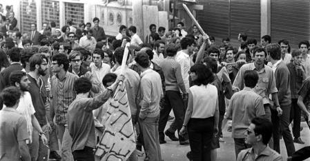 movimento-estudantil-confronto-entre-estudantes-universitarios-da-usp-e-da-universidade-mackenzie-na-rua-maria-antonia-regiao-central-de-sao-paulo-em-1968-1380731690289_956x500