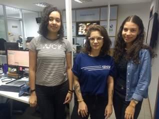 3 meninas alunas de jornalismo
