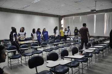 Alunos da ESD e Anjos FAESA sob observação do professor Marcelo Zanotti