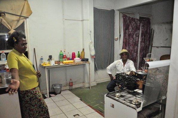 Pastor Juvenal e a esposa em casa / Foto: João Vitor Gomes