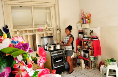 Maria das Graças Vieira da Silva, 59, diarista desempregada, ocupante do 3º andar do antigo predio do IAPI / Foto: Zanete Dadalto