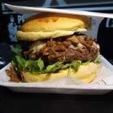 hambúrguer com carne de porco