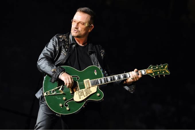 Bono Vox durante show