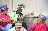 Grupo de senhores reunidos durante o Encontro Nacional de Folia de Reis