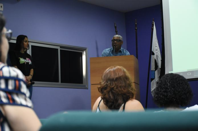 Professor Jorge Nascimento durante a palestra. Foto: Ana Clara Nair