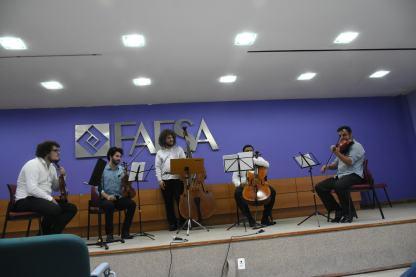 Parte da orquestra durante a apresentação. Foto: Ana Clara Nair