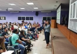 Publicitária Carine Cardoso e Dudu Marques no auditório central