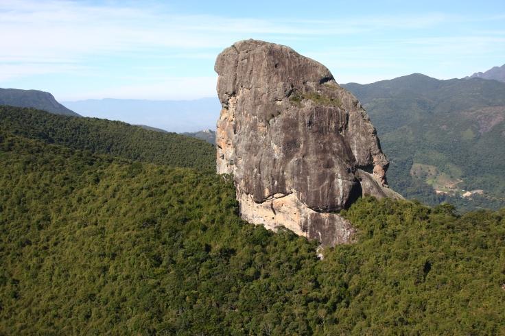 APA Serra da Mantiqueira, Pedra do Picú, Iamone Minas Gerais_Crédito Clarismundo Benfica