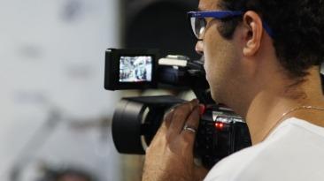 Gabriel Barros filmando / Foto: Marina Melim