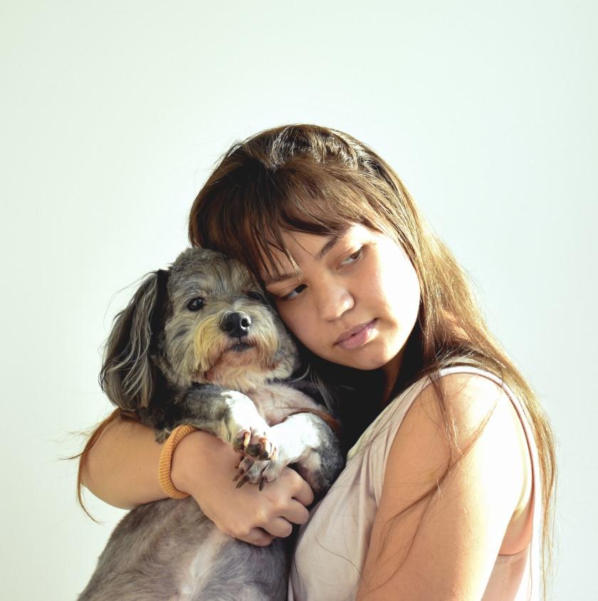 Daniela com o cachorro Billy Willy