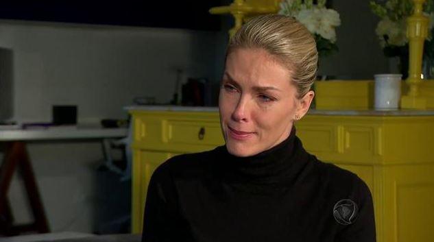 Ana Hickman falando da tentativa de assassinato