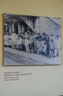 Quadros em exposição localizados dentro do Museu Vale / Foto: Ana Paula Senna