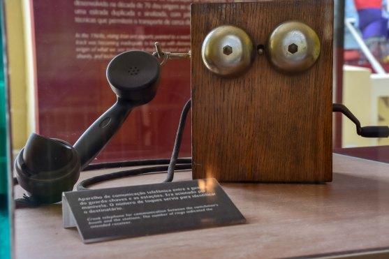 Antigo telefone exposto no Museu Vale / Foto: Bruna Souza